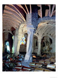 Guell Crypt with Its Tilted Column, Built by Antonio Gaudi Giclee-trykk av Antoni Gaudí