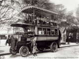 The New Autobus in Paris, c.1906 Photographic Print