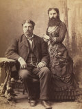 Portrait of a Bearded Woman Next to Her Husband Photographie