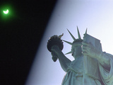An Annular Eclipse Passes Above the Statue of Liberty Papier Photo