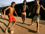 Children Play Soccer at a Shelter in the City Maraba Fotografie-Druck