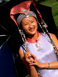 Ethnic Dancer in Traditional Costume in Kumming, Yunnan, China Lámina fotográfica por Bill Bachmann