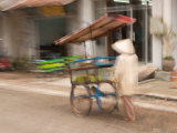 Mobile Fruit Vendor, Vientiane, Laos Photographie par Gavriel Jecan