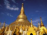 Golden Stupa of Shwedagon Pagoda, Yangon, Myanmar Photographie par Inger Hogstrom