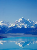 Aoraki, Mt Cook and Lake Pukaki, South Canterbury, South Island, New Zealand Photographic Print by David Wall