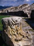 Roman Amphitheatre Ruin, Salona, Croatia Lámina fotográfica por Wayne Walton