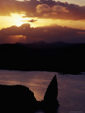 San Salvador Island, Sullivan Bay and Pinnacle Rock at Sunset, Ecuador Photographic Print by Richard I'Anson
