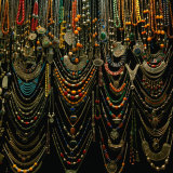 Jewellery for sale at Istanbul Bazaar, Istanbul, Turkey Lámina fotográfica por Wes Walker