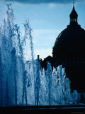 Fountain with Domed Building Behind, Copenhagen, Denmark Reproduction photographique par Mark Daffey