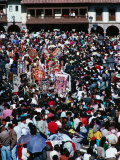 Corpus Christi Procession Weaving Through Large Crowd of Spectators, Cuzco, Peru Fotografie-Druck von Richard I&#39;Anson