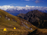 Campsite Below Kauri Pass with Chaukhamba Range in Background, Kuari Pass, Uttar Pradesh, India Fotografie-Druck von Richard I&#39;Anson