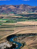 Clutha River with Dunstan Mountains in the Background, New Zealand Photographic Print by David Wall