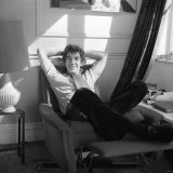 Ian Mckellen at Home Relaxing in an Armchair with His Hands Clasped Behind His Head, October 1969 Lmina fotogrfica