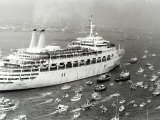 P&O Cruise Ship Canberra Returns to Southampton Water after Service in the Falklands War, July 1982 Photographic Print