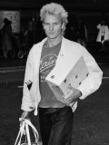 Sting Singer of Police AKA Gordon Sumner Arriving at Heathrow Airport from USA Tour, 1983 Fotografisk tryk