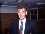 Ian Mckellen During Lunch at the Whitbread Brewery, London, April 1989 Lmina fotogrfica