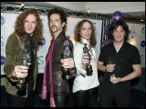 The Darkness at the 49th Ivor Novello Awards, May 2004 Fotografie-Druck