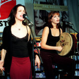 The Corrs Live Performance at Virgin Megastore, October 1997 Fotografie-Druck