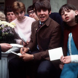 Davy Jones of the Monkees Signs Autographs after Visiting the Belle Vue Zoo, 1968 Photographie