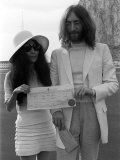 John Lennon Marries Yoko Ono, March 1969 Photographic Print