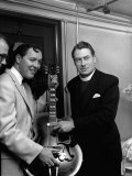 Bill Haley with the Bishop of Woolwich Rt Rev Ronald Stannard at the Davis Theatre, Croydon Fotografisk tryk