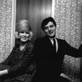 Dusty Springfield with Pop Star Eden Kane in Her Dressing Room at Croydon, February 1964 Photographie
