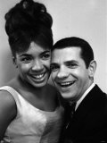 Shirley Bassey with Robert Clary at the New BBC Televisions First International Cabaret Picture Fotodruck - shirley-bassey-with-robert-clary-at-the-new-bbc-televisions-first-international-cabaret-picture