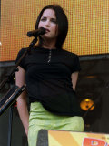 Andrea Corr of the Corrs, Party in the Park, July 1999 Fotografie-Druck