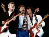 Cliff Richard Reunites with Bruce Welch and Hank Marvin of His Old Group the Shadows Fotografisk tryk