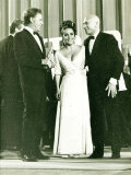 Elizabeth Taylor, Richard Taylor and Yul Brynner at the Italian Oscars, August 1966 Lámina fotográfica