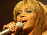 Beyonce During Her Dangerous in Love Tour at the Odyssey Arena, Belfast, November 2003 Fotografisk tryk