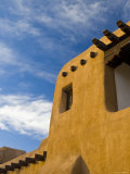 USA, New Mexico, Santa Fe, New Mexico Museum of Art, Traditional Adobe Construction Photographic Print by Alan Copson