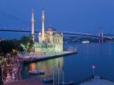 Bosphoros River Bridge and Ortakoy Camii Mosque, Ortakoy District, Istanbul, Turkey Fotoprint van Gavin Hellier