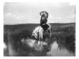 Cheyenne Indian, Wearing Headdress, on Horseback Photograph Póster por Lantern Press