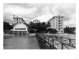 Honolulu, Hawaii Moana Hotel on Waikiki Beach Photograph - Honolulu, HI Prints by  Lantern Press