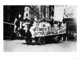 Labor Day Parade Float Photograph - New York, NY Prints by  Lantern Press