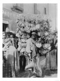Man Selling Corn Husks for Wrapping Paper Photograph - Mexico Láminas por  Lantern Press