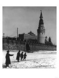 Moscow River and Kremlin in Winter Photograph - Moscow, Russia Póster