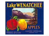 Lake Wenatchee Apple Label - Cashmere, WA Prints by  Lantern Press