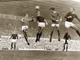 Manchester United contro Arsenal, Partita allo stadio Old Trafford, ottobre 1967 Stampa fotografica