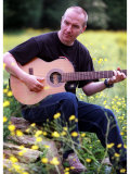 Midge Ure Playing Guitar June 2001 Reprodukcja zdjęcia