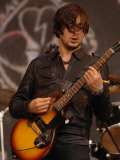 Carl Barat of the Dirty Pretty Things on the Pyramid Stage at the Glastonbury Festival Fotografická reprodukce