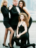 Comedian Benny Hill with Some of His Hill's Angels in 1989 Fotografiskt tryck