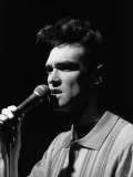 The Smiths Pop Singer Morrissey Singing on Stage 1984 Fotografická reprodukce