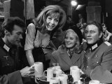 1968 Film Where Eagles Dare: Clint Eastwood, Richard Burton, Mary Ure and Ingrid Pitt - Fotografik Baskı