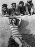 Actress Raquel Welch on Location For Film Shoot Wearing Striped Mini Dress, 1966 Fotodruck