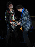 Keith Richards and Ronnie Wood of the Rolling Stones on Stage at the 2007 Isle of Wight Festival Fotografie-Druck