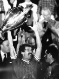 Graeme Souness of Liverpool Holds European Cup 1984, After Beating Roma 4-2 After Penalties Fotografisk tryk