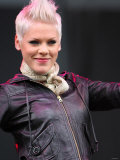 Pop Star Pink Performing at the V Festival at Hylands Park in Chelmsford, Essex. Virgin Festival Fotografisk tryk
