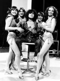 Marc Bolan Pop Singer with 'The Heart Throb' Girls Fotografisk tryk